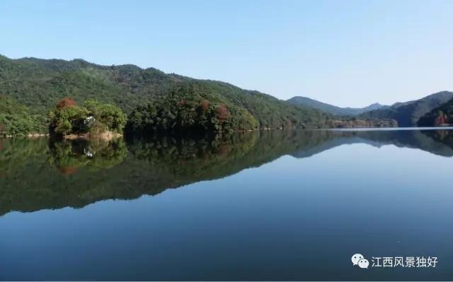 """金盆山旅游景区位于信丰县东郊,金盆山国家级森林公园素有""""赣南小"""